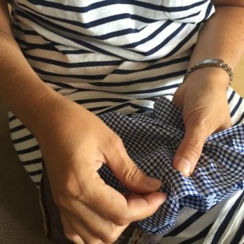 cosemos el lateral y la base la tela