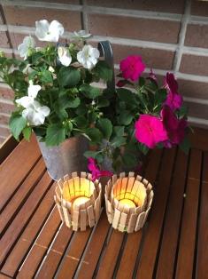manualidades con niños: porta velas hecho con pinzas de madera