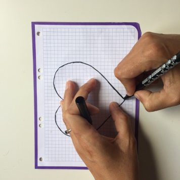 dibujamos el patrón que será un corazon