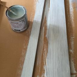 pintamos también las tablas que harán el estante