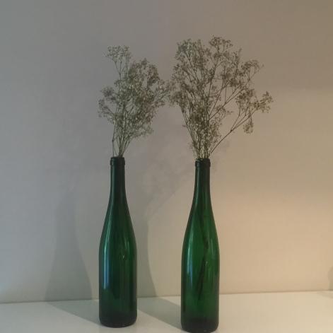 botella-de-txakili-con-flores