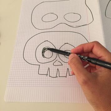 02-antifaces-de-halloween-con-goma-eva-dibujamos-las-situeas