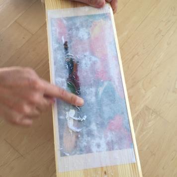 06-decoramos-una-caja-de-madera-con-foto-transfer-retiramos-la-celulosa