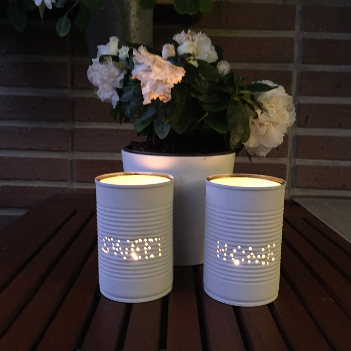 09-latas-de-luz-colocamo-las-velas-dentro-y-las-encendemos