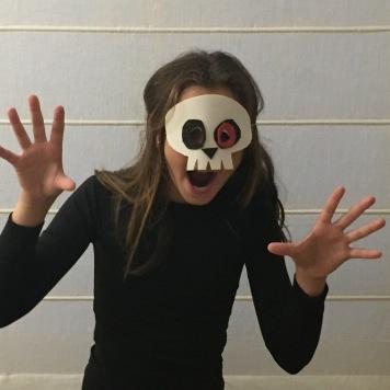 12-antifaces-de-halloween-con-goma-eva-calavera