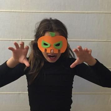 13-antifaces-de-halloween-con-goma-eva-calabaza