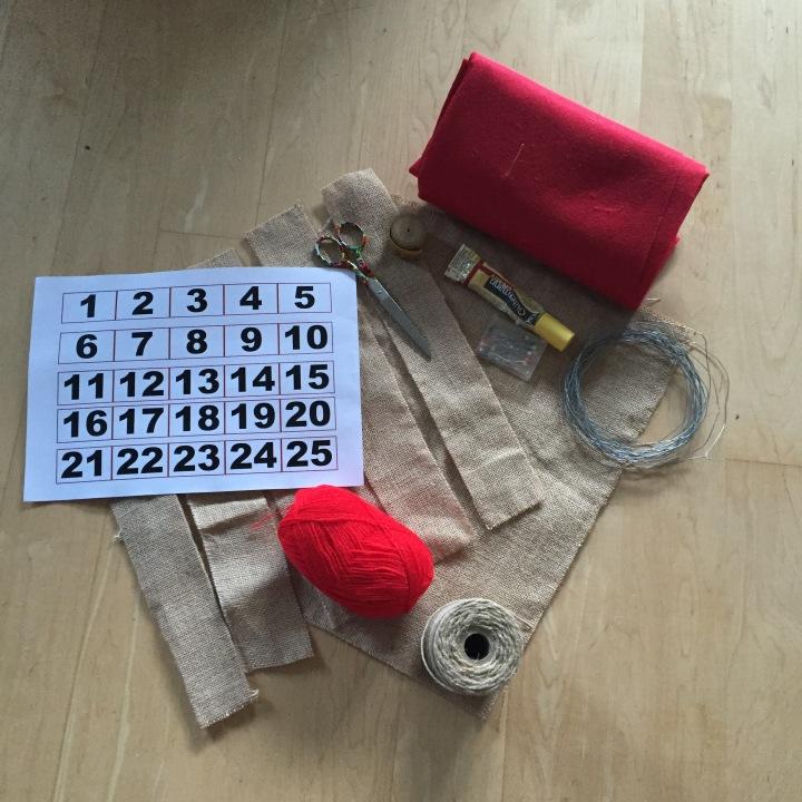 01-calendario-de-adviento-de-saco-y-lana-material-necesario