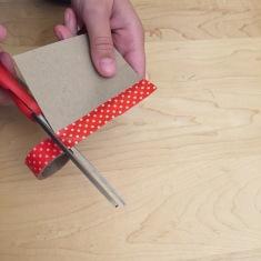 11-calendario-de-adviento-de-con-corchos-cerramos-los-bordes-con-washi-tape