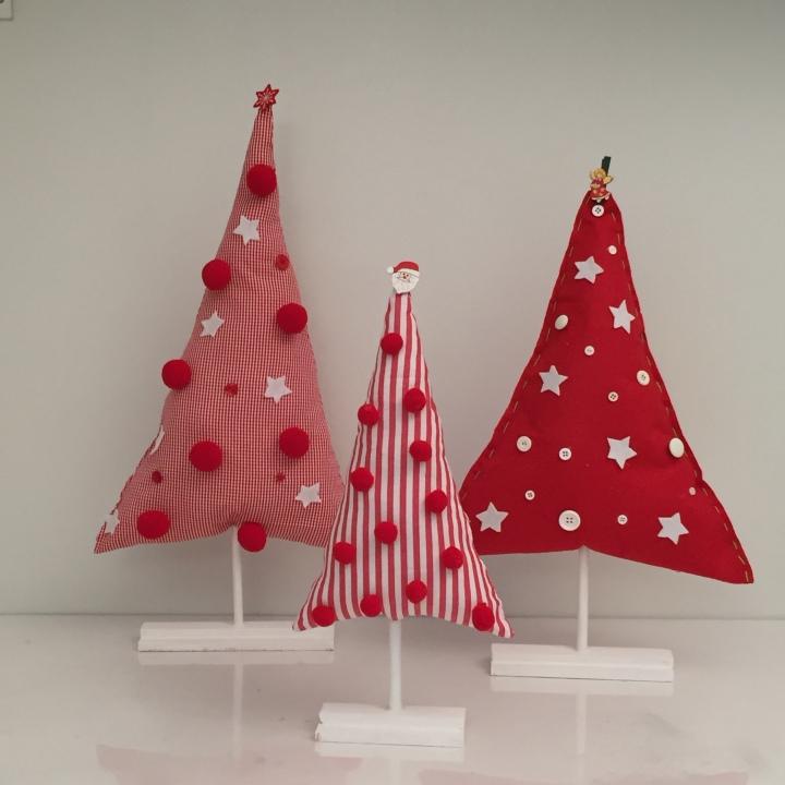Tutorial árboles de navidad de tela de color rojo