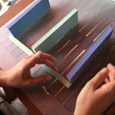 07-diy_mini_estanteria_madera_cactus_pegamos_maderas_ceys_montack
