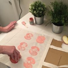 08. DIY_totebag_personalizada_chalkpaint_ manzanas_estampadas_estampamos _manzanas