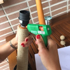 08. diy_pie_ lampara_cuerda_remate_silicona