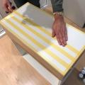 07. diy_pintar_estantería_diseño_cuadrados_definir_diseño_cinta_enmascarar