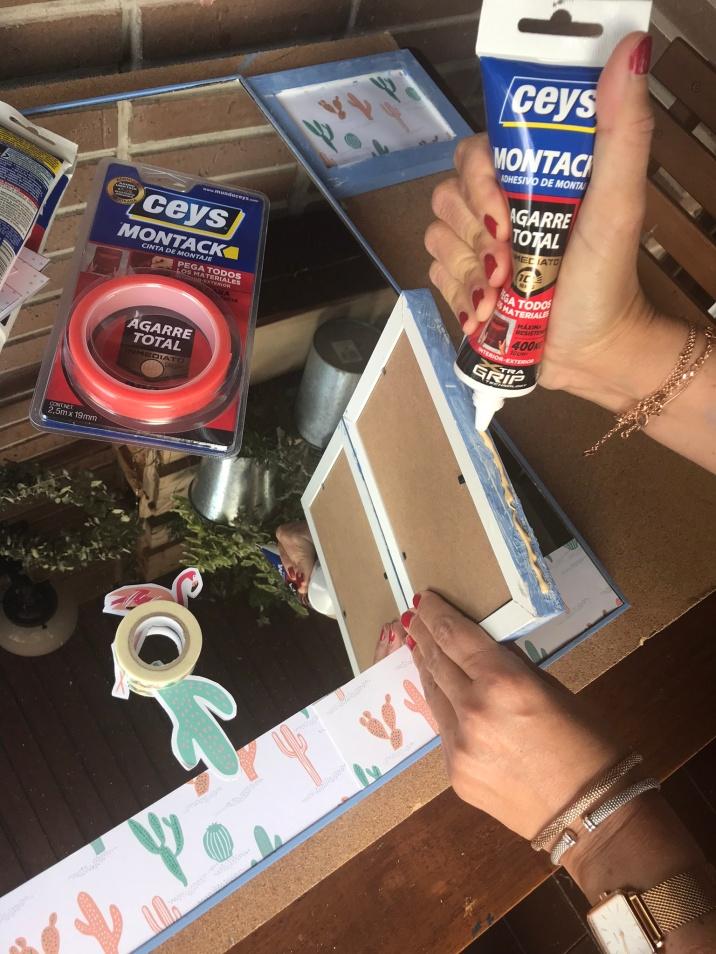 12. tocador de pared - ponemos adhesivo